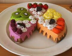 Felt cake, different flavours