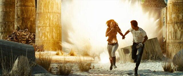 File:Transformers-revenge-movie-screencaps.com-15216.jpg
