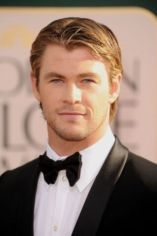 File:Chris Hemsworth Steve Granitz.jpg