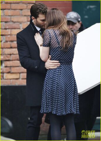 File:Fifty-shades-darker-set-photo-39.jpg