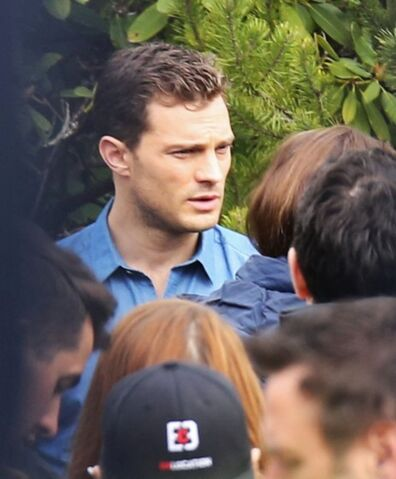 File:Fifty-shades-darker-set-photo-100.jpg
