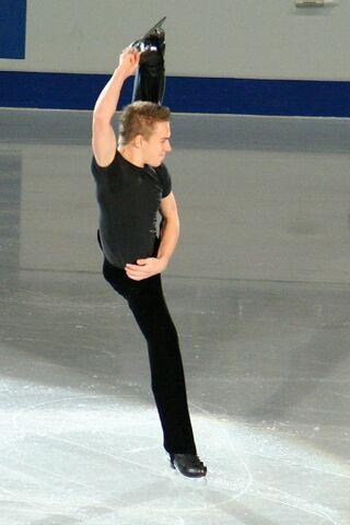 File:Shawn Sawyer Spiral - 2006 Skate Canada.jpg