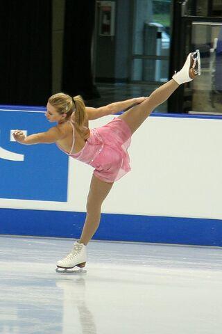 File:Joannie Rochette Spiral - 2006 Skate Canada.jpg