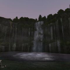 Cascade Edellaine at night.