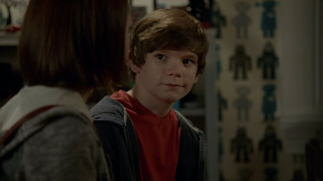 File:1x01 82 Carter, Grant.jpg