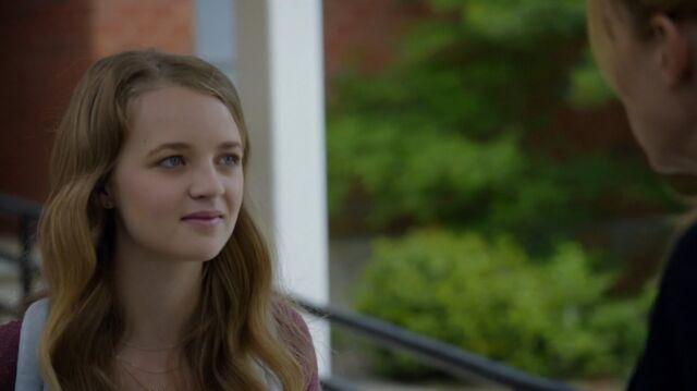 File:1x02 74 Taylor, Elizabeth.jpg