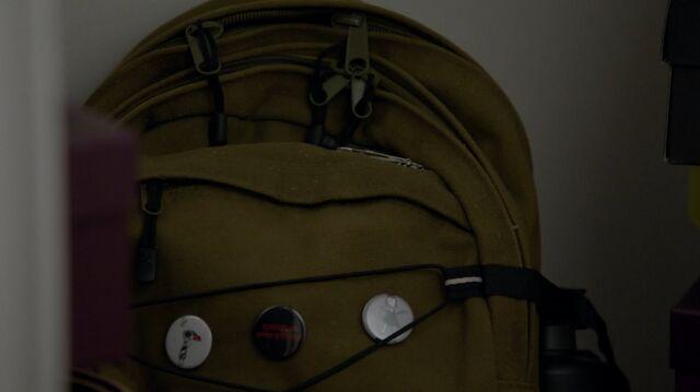File:1x02 11 Carter's backpack.jpg
