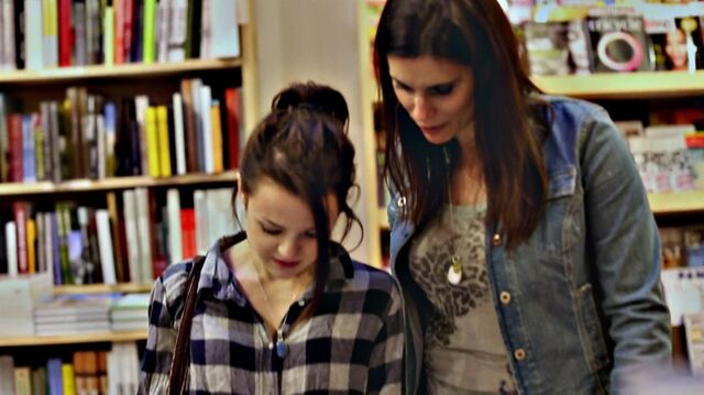 File:1x02 09 Carter, Lori (flashback).jpg