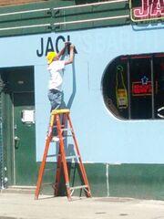 Jacks Bar South Side mascara fixing