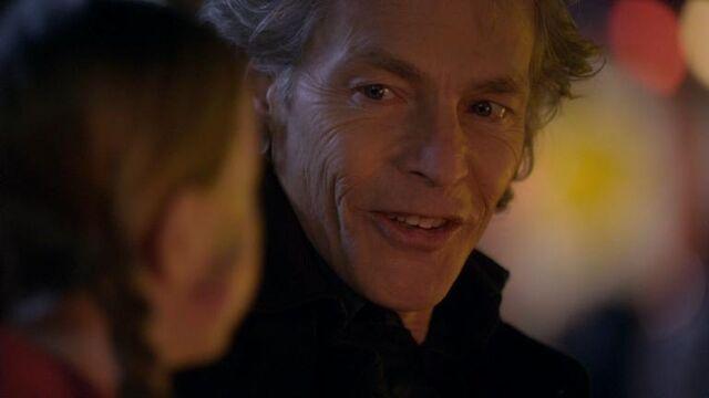 File:1x16 Hello, Charlie.jpg