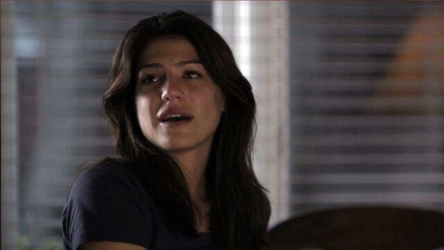 File:1x07 Tracy in LA.jpg