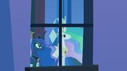 Celestia and Luna at a palace window S4E25
