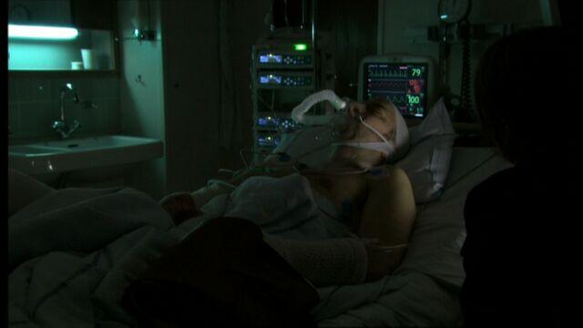 File:Sarah and John 1x03.jpg