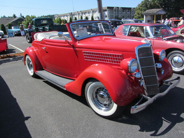 File:1935 Ford convertible.jpg