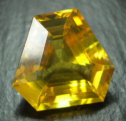 Amber-faceted-trillion