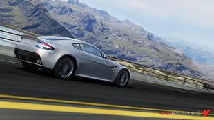 Aston Martin V12 Vantage in Forza Motorsport 4