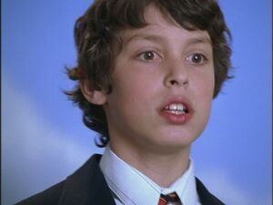 Opening-Credits-John-Francis-Daley-freaks-and-geeks-17545138-800-600