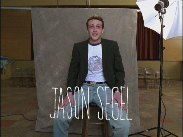 File:Opening-Credits-Jason-Segel-freaks-and-geeks-17545253-800-600.jpg