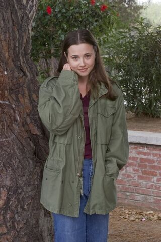 File:Lindsay-Weir-imdb-11.jpg