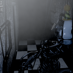 Ennard closer to the player in CAM 01.