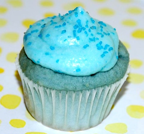 File:Cotton candy cupcake blue.jpg