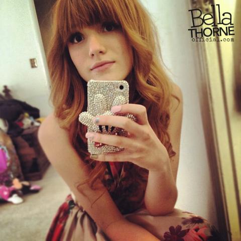 File:Bella-Thorne-2012-bella-thorne-30218348-561-561.png
