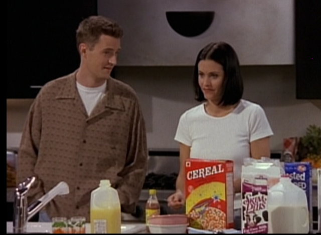 File:Chandler & Monica (3x25).png