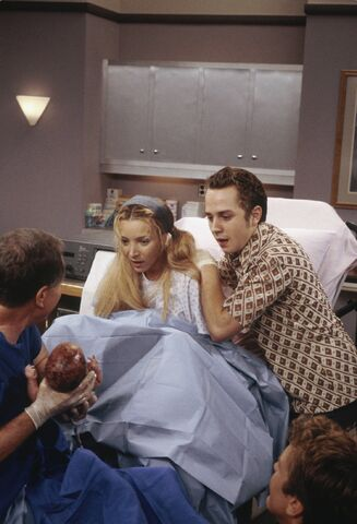 File:5x03 Delivery room.jpg