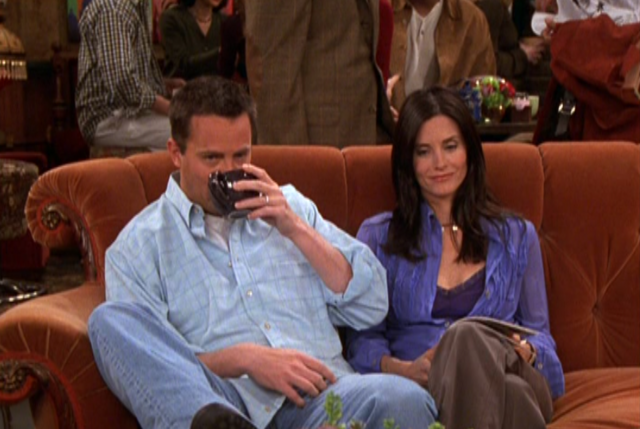 File:Monica & Chandler (9x20).png