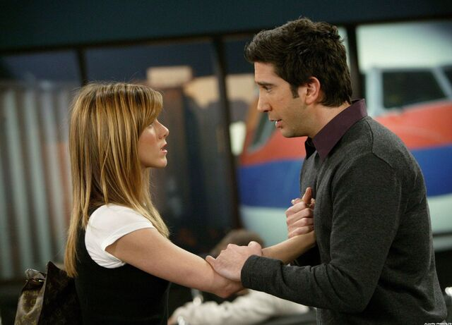 File:Ross and Rachel finale 2.jpg