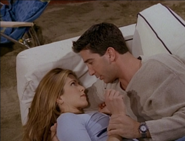 File:Rachel and Ross on the Couch (3x25).png