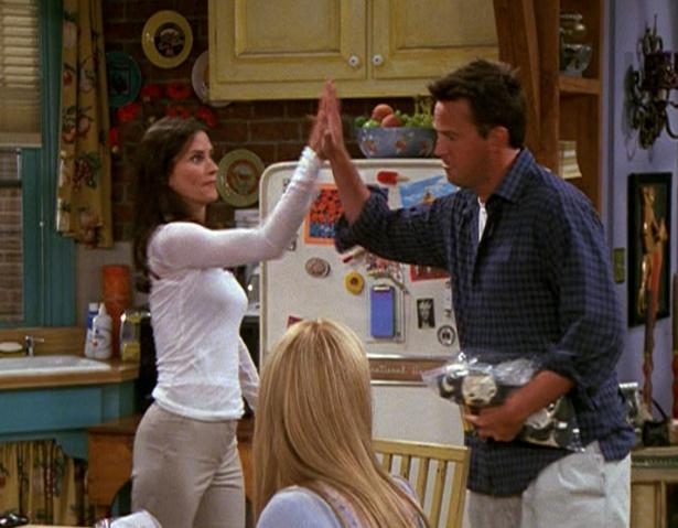 File:Chandler & Monica High Five (8x02).png