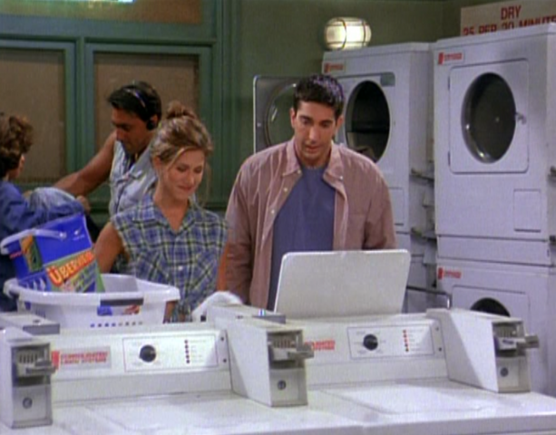 File:Rachel and Ross at the Laundramat.png