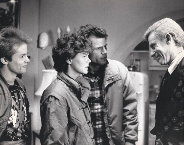 File:Fright Night 1985 Stephen Geoffreys Amanda Bearse Tom Holland Roddy McDowall.jpg