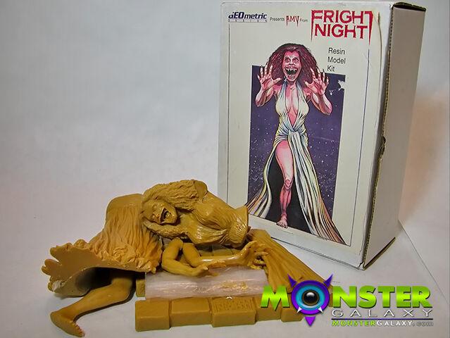 File:Fright Night Geometric Resin Model Kit - Amy Peterson 1.jpg