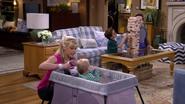 Fuller House S01E12 Screenshot 001