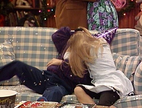 File:Stephanie and Rusty kissing.jpg
