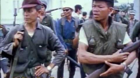 Filipinos and Philippine troops panic retreat to Manila