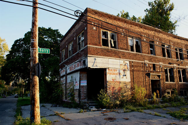 File:Abandoned store in Detroit.jpg