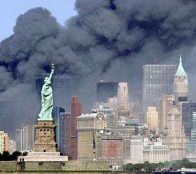 Statue-liberty-smoke-911