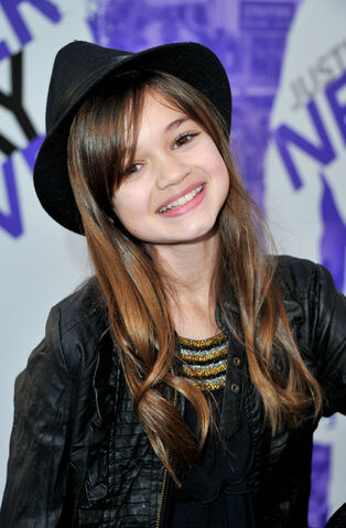 File:Ciara Bravo Premiere Paramount Pictures Justin 7yoYfAhGY6Ul.jpg