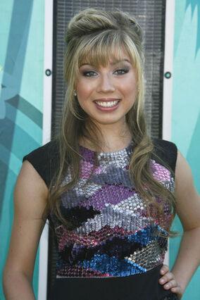 Jenette+McCurdy+Teen+Choice+Awards+2009+Arrivals+cRtJ3VcEkIbl