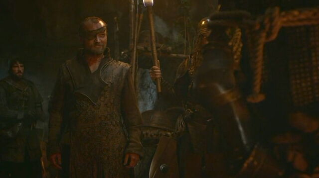 File:Beric Dondarrion and Hound Clegane S3E4.jpg