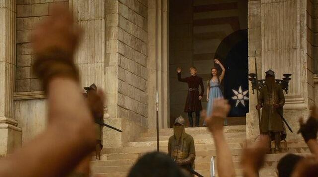 File:Jofrey Margaery waving S3E4.jpg