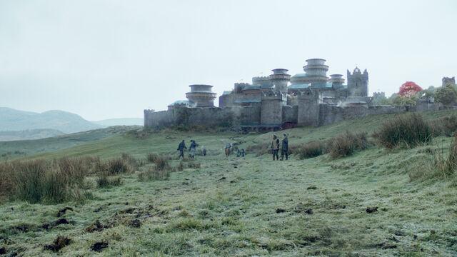 Vaizdas:Winterfell Exterior.jpg