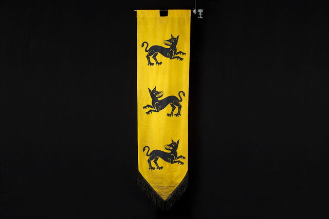 File:House-Clegane-Banner-From-Making-Game-of-Thrones-1200x800.jpg