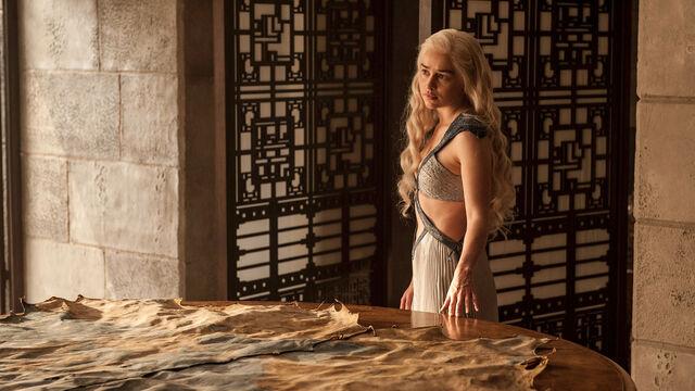 File:Daenerys Targaryen 4x07.jpg