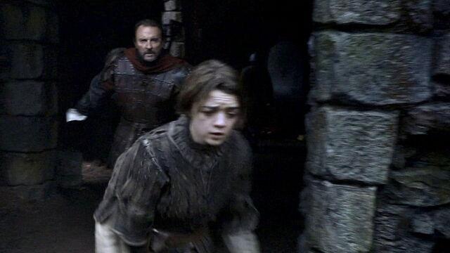 File:Amory chases Arya.jpg