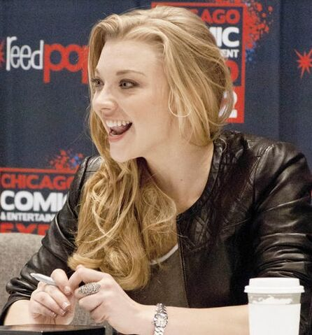 File:Natalie-dormer-chicago-comic-entertainment-expo-2013 3630920.jpg