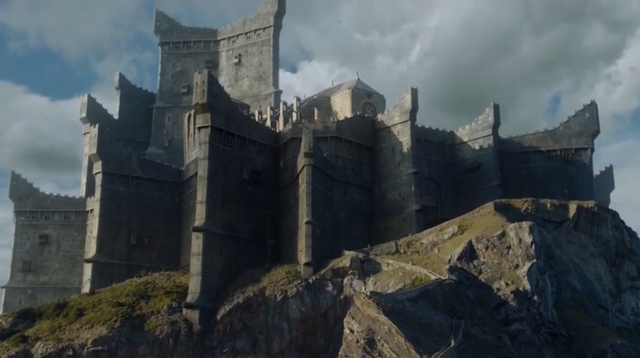 File:Dragonstone-season7-low.png